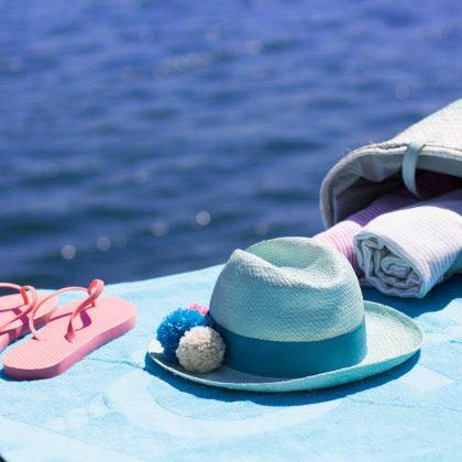 Renueva tu sombrero de rafia este verano