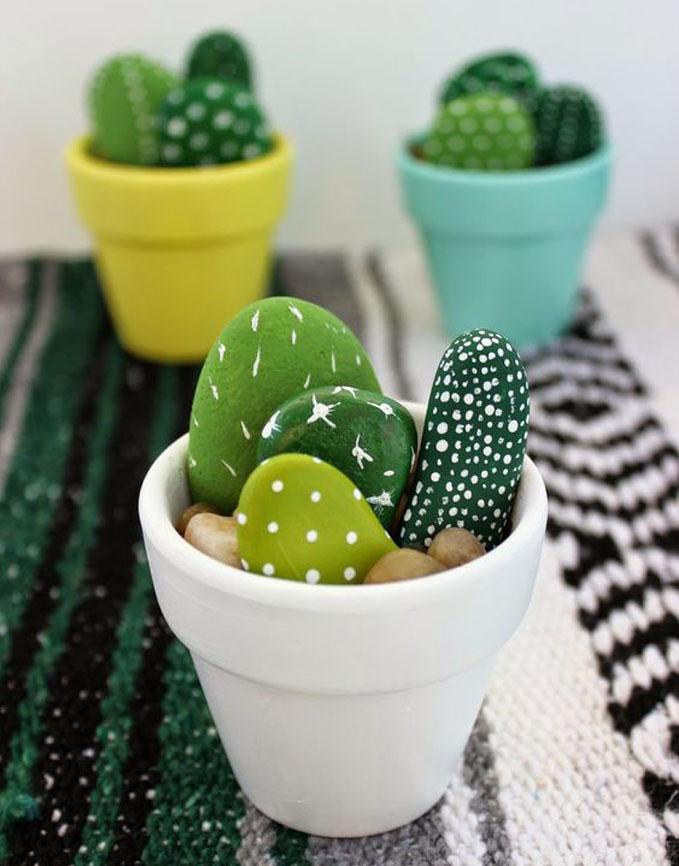 C mo pintar piedras que parecen cactus for Pintura de piedras