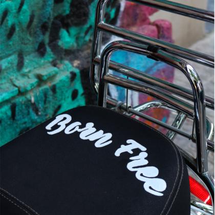 Lettering (con truco) y pintura de cuero para tu asiento